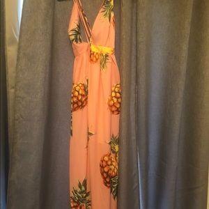 Gorgeous pineapple dress!